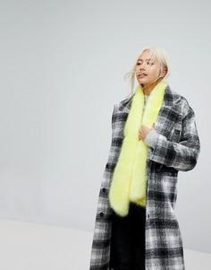 Оверсайз-шарф из искусственного меха Urbancode - Желтый