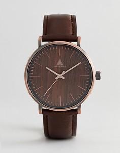 Часы матового медного цвета с отделкой под дерево ASOS - Коричневый