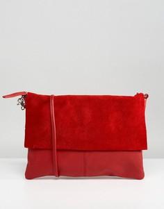 Сумка через плечо из кожи и замши со съемным ремешком ASOS - Красный