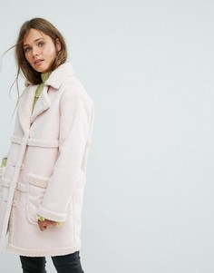 Эксклюзивное двустороннее пальто с искусственным мехом Miss Selfridge - Розовый