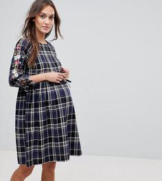 Свободное платье в клетку с вышивкой New Look Maternity - Синий