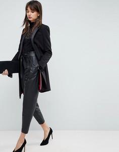 Суженные книзу кожаные брюки ASOS - Черный