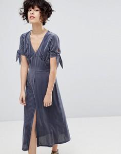 Плиссированное бархатное платье с разрезом J.O.A - Серый J.O.A.