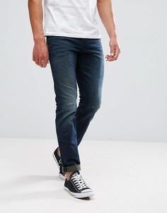 Темные джинсы классического кроя с потертой отделкой Tom Tailor - Синий