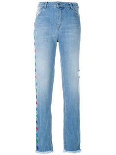 джинсы прямого кроя с аппликацией Each X Other