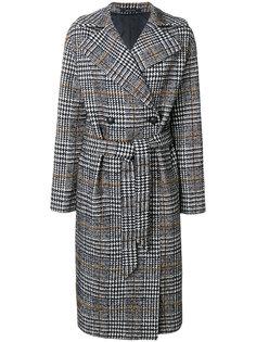 двубортное пальто в ломаную клетку  Tagliatore