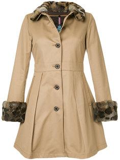 расклешенное пальто на пуговицах  Guild Prime