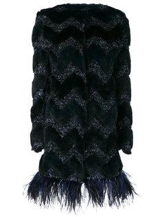 пальто шифт с отделкой перьями Ainea