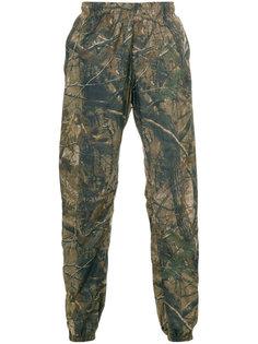 камуфляжные спортивные брюки Yeezy