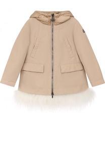 Укороченное пуховое пальто с капюшоном и меховой отделкой Moncler Enfant