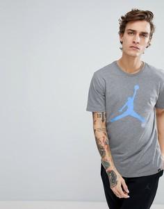 Серая футболка с большим логотипом Nike Jordan 908017-091 - Серый