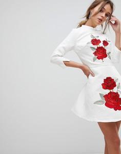 Жаккардовое платье мини с цветочной вышивкой Chi Chi London - Белый