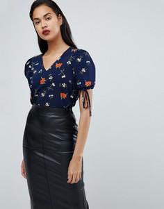 Блузка с завязками и цветочным принтом Fashion Union - Темно-синий