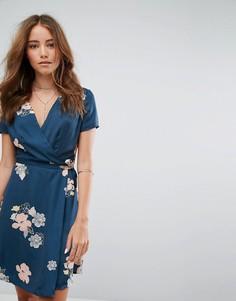 Платье мини с запахом и цветочным принтом Pimkie - Синий