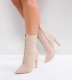 Ботинки на каблуке для широкой стопы со шнуровкой и заклепками Truffle Collection - Бежевый
