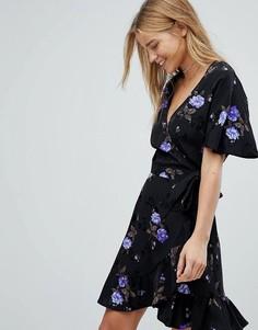 Платье с запахом, цветочным принтом и оборкой по краю Nobodys Child - Фиолетовый