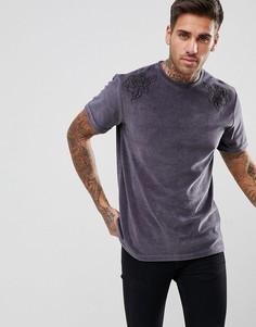 Серая велюровая футболка с цветочной вышивкой boohooMAN - Серый