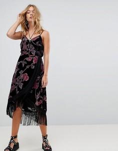 Бархатное платье на бретелях с запахом и выжженным узором Rd & Koko - Черный