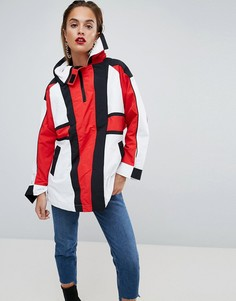 Дутая оверсайз-куртка в стиле колор блок с ремешками ASOS - Мульти
