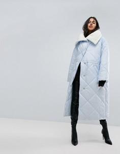 Дутая куртка с воротником из искусственного меха ASOS - Синий