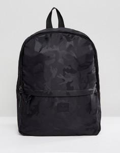 Черный рюкзак с камуфляжным принтом ASOS - Черный