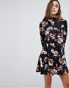 Свободное платье с длинными рукавами и высоким воротом AX Paris - Черный