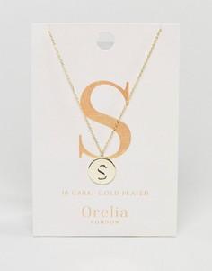 Позолоченное ожерелье с инициалом S на подвеске-диске Orelia - Золотой
