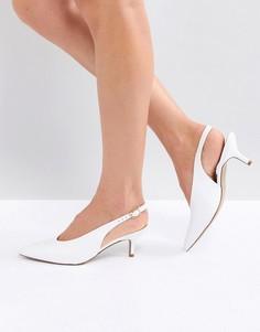 Белые кожаные туфли с острым носком и на каблуке-рюмочке Carvela Amy - Белый