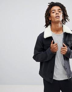 Черная выбеленная джинсовая куртка с воротником борг ASOS - Черный