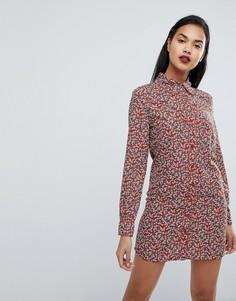 Ковбойское платье-рубашка с принтом роз Fashion Union - Красный