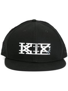 кепка с логотипом KTZ