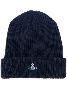 шапка-бини с вышивкой Vivienne Westwood