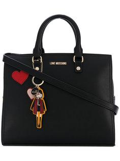 сумка-тоут с нашивками-сердцами Love Moschino