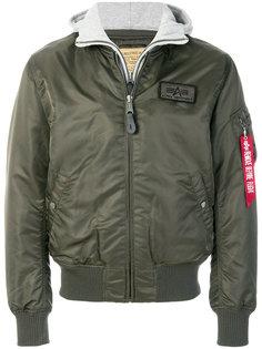 многослойная куртка-бомбер  Alpha Industries