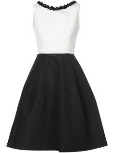 платье с вышивкой  Carolina Herrera