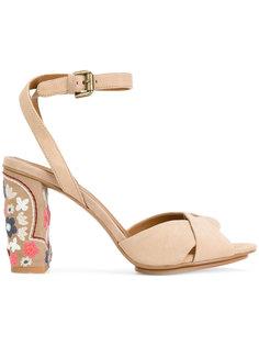босоножки с вышивкой на каблуках See By Chloé