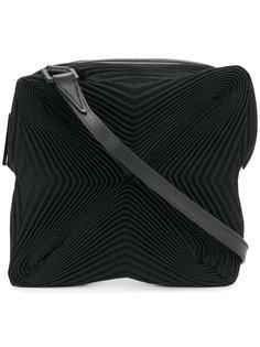 плиссированная сумка через плечо Issey Miyake