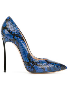 туфли-лодочки из змеиной кожи Blade Casadei