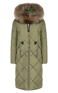 Стеганое пальто на синтепоне с отделкой мехом енота Malinardi
