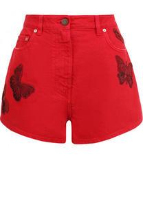 Джинсовые мини-шорты с потертостями и вышивкой в виде бабочек Valentino