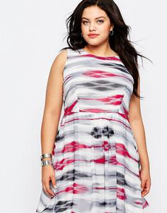 Короткое приталенное платье в полоску с кружевной спинкой Lovedrobe Plus - Мульти