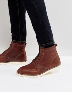 Коричневые кожаные ботинки на шнуровке с белой подошвой ASOS - Коричневый