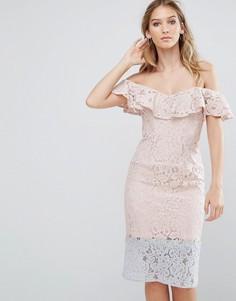 Кружевное платье в стиле колор блок с оборкой Little Mistress - Розовый