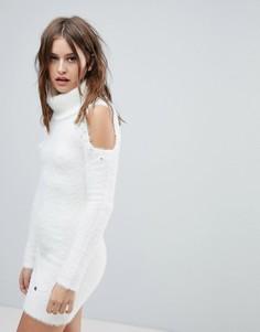 Платье-джемпер с открытыми плечами и отделкой Lipsy - Белый