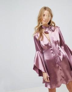 Атласное чайное платье на пуговицах с длинными рукавами и завязкой Honey Punch - Фиолетовый
