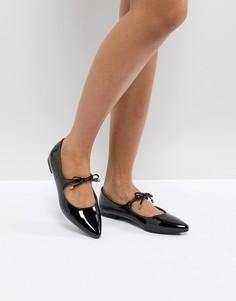 Лакированные туфли на плоской подошве с острым носком и бантиками New Look - Черный
