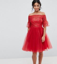 Тюлевое платье миди с кружевными рукавами клеш Chi Chi London Petite - Красный
