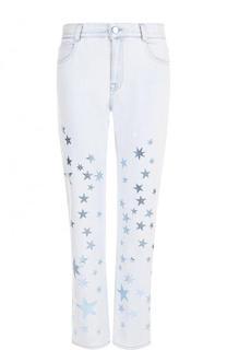Укороченные джинсы с потертостями и принтом в виде звезд Stella McCartney