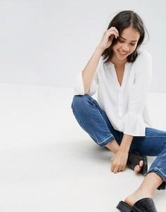 Блузка с V-образным вырезом и оборками на рукавах Soaked in Luxury - Белый
