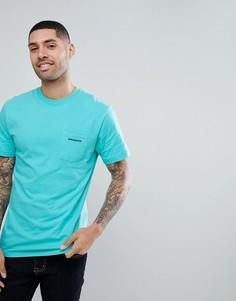 Голубая футболка с карманом и принтом на спине Patagonia - Синий